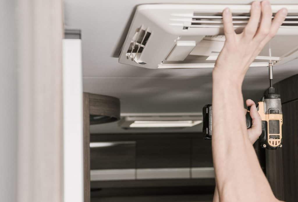 best RV air conditioner featimage